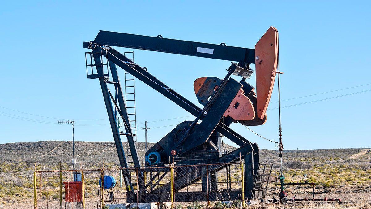 Precios del petróleo sufren caída histórica