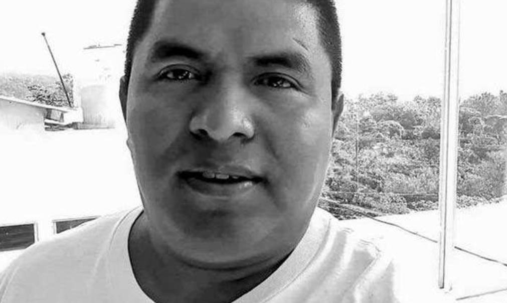 """El temible mensaje dejado junto a cadáver de sacerdote en El Salvador: """"No pagó la renta MS-13"""""""
