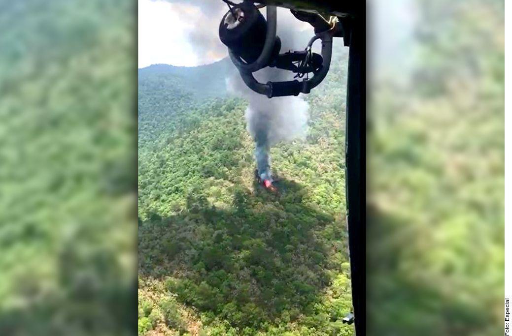 Se desploma helicóptero de la Marina mexicana; hay 5 soldados desaparecidos