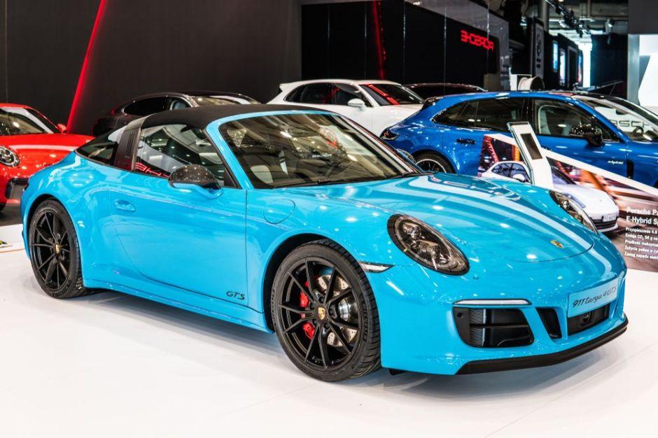 ¿Cuál es la potencia y precio del Porsche 911 Targa 4? + VIDEO