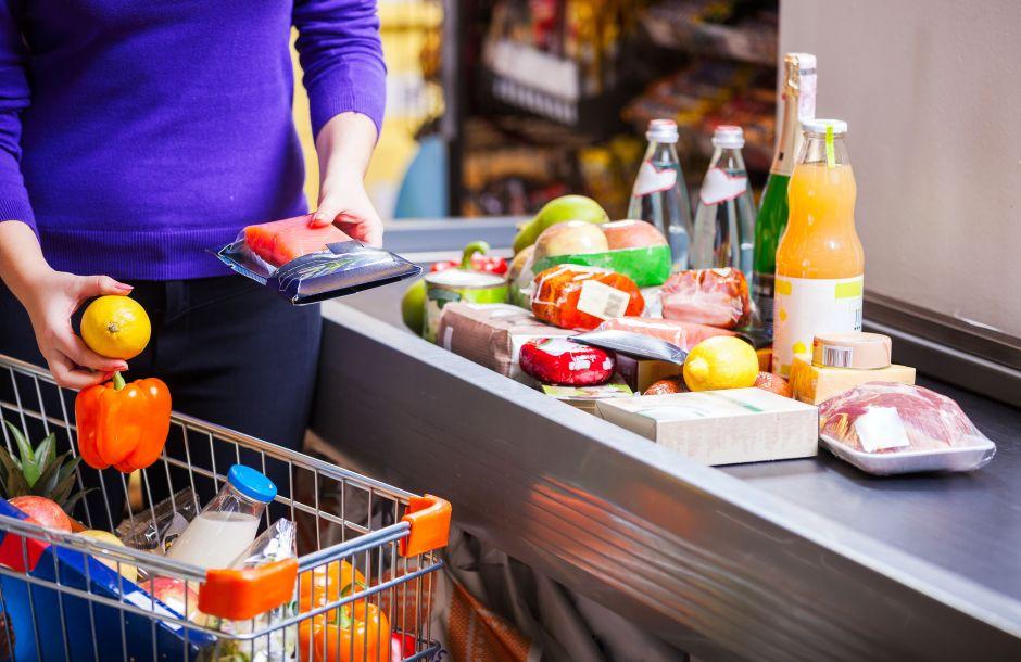 ¿Cómo puedo ahorrar dinero en comida?