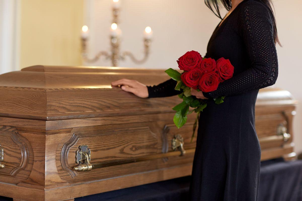 Filtran imágenes de la familia de Álex Casademunt destrozada en su funeral