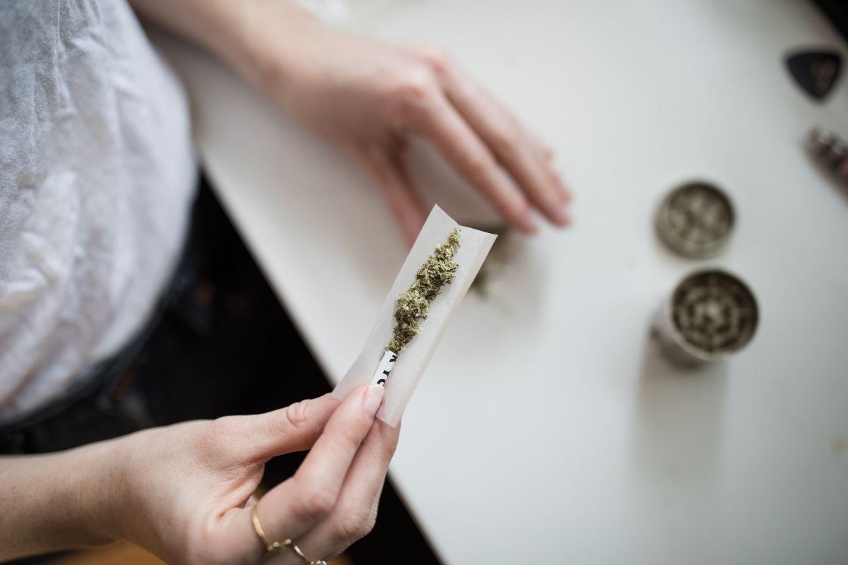 """Fumar marihuana en pareja los pone más """"cariñosos"""""""