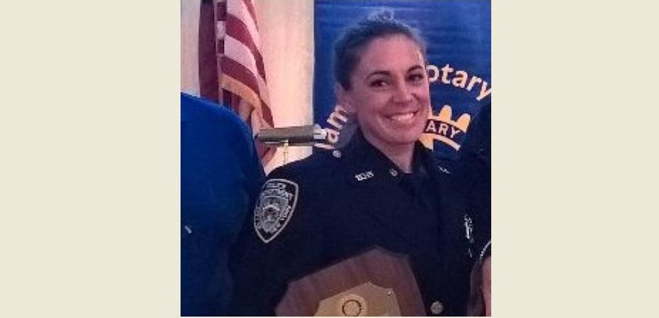 Mujer policía de Nueva York detenida por FBI encargó dos asesinatos a un sicario
