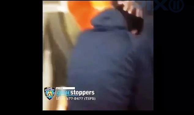 NYPD alerta sobre escalada de violencia de pandillas por video de paliza brutal en el Metro