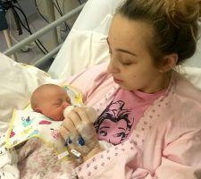 Adolescente despierta de un coma y descubre que es mamá