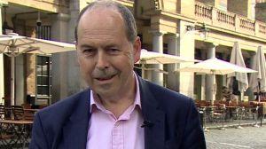 Parkinson: el periodista de la BBC que descubrió que tenía esta enfermedad tras mostrar síntomas en una transmisión en vivo