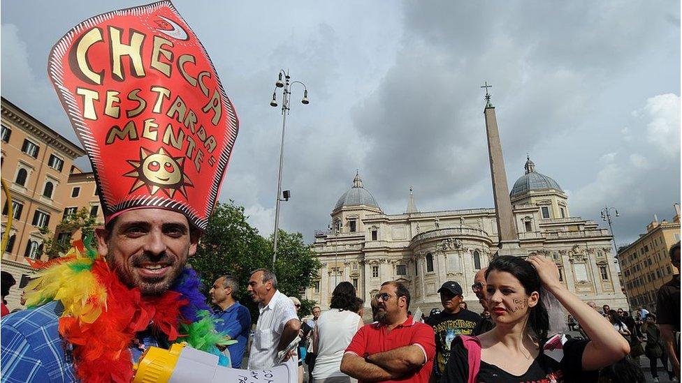 El documento del Vaticano que rechaza nuevas formas de identidad de género
