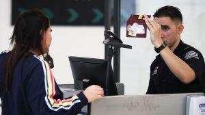 """Qué es el """"efecto visa H-1B"""" y cómo perjudica a las empresas de EEUU"""
