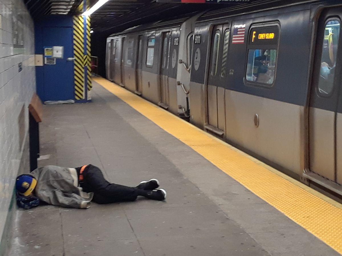 ¿Por qué tanta gente se queda sin hogar en Nueva York?