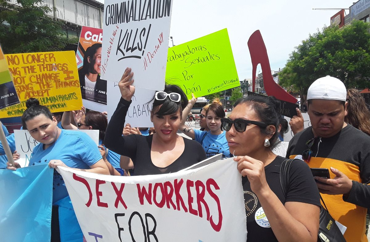 Mujeres transgéneros de Queens reiteran su llamado a no ser discriminadas por la Policía.