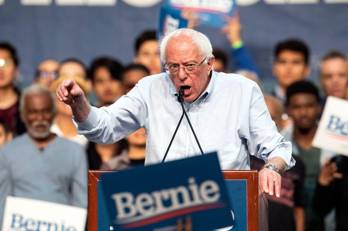 """Bernie Sanders a Walmart: """"Sus empleados se ven obligados a depender del gobierno"""""""