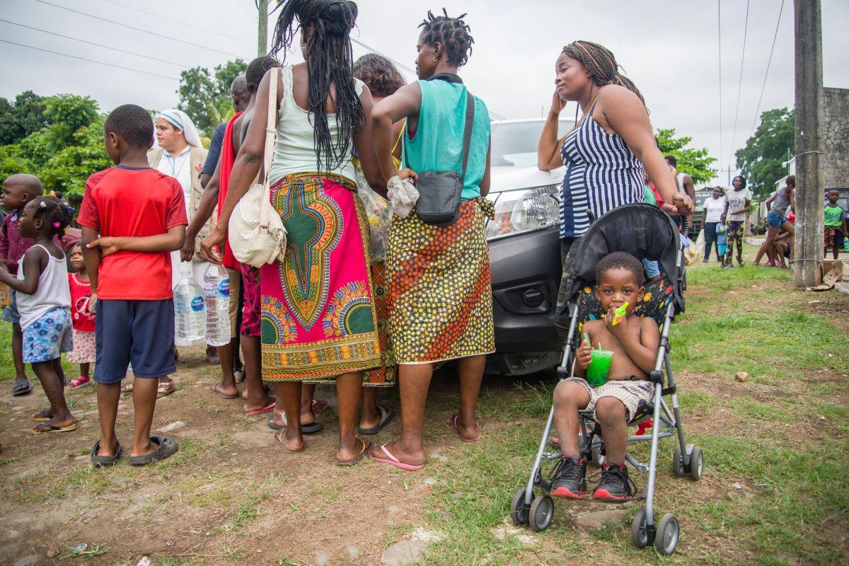 México: indocumentados se quejan de larga espera para una cita en migración