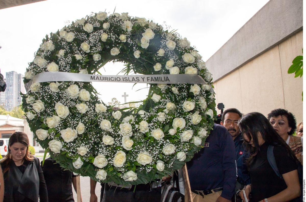 Familiares y famosos despidieron a Edith González.