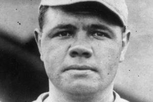 Venden camiseta de Babe Ruth en más de $5 millones en subasta