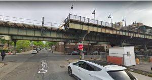 Horas de terror en barrio de Brooklyn: ciclista muere arrollado y tiroteo deja 3 heridos