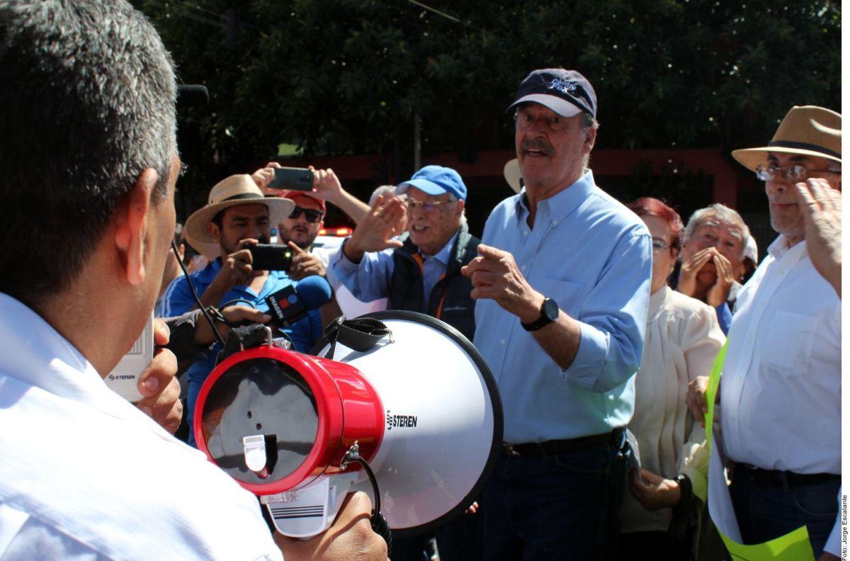 Corren al expresidente Vicente Fox de marcha contra AMLO