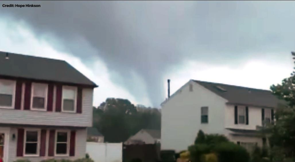 VIDEOS: Tornado sacudió anoche Nueva Jersey, cerca de Filadelfia
