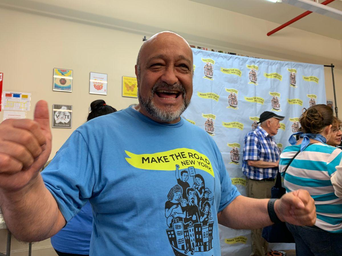 El ecuatoriano Fausto Jimenez, se confiesa feliz por la ley de licencias de manejo para indocumentados