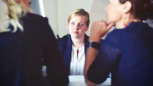 3 trucos psicológicos que podrían ayudarte en una entrevista de trabajo