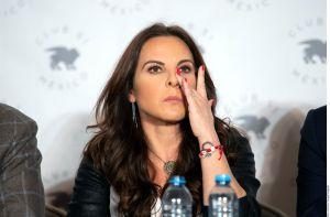 """""""Me estaba pateando y estrangulando"""", confesó Kate del Castillo a Lili Estefan sobre las agresiones de su exmarido"""