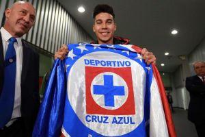 Cruz Azul ya presume a su tercer refuerzo, el argentino 'Pol' Fernández