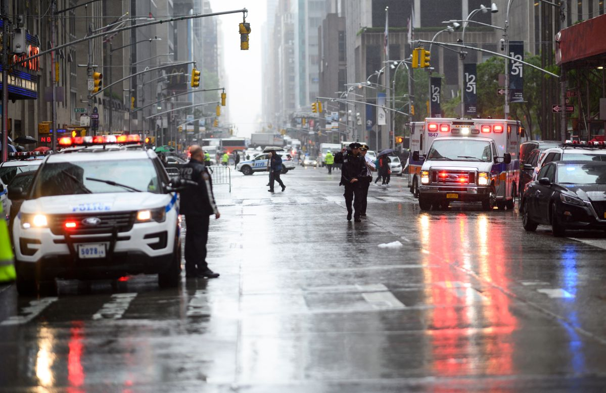 Video: Autoridades confirman un fallecido por helicóptero estrellado en Midtown