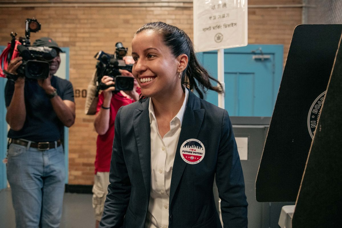 Tiffany Cabán admite derrota en primarias para Fiscal de Queens, tras apoyo de Ocasio-Cortez