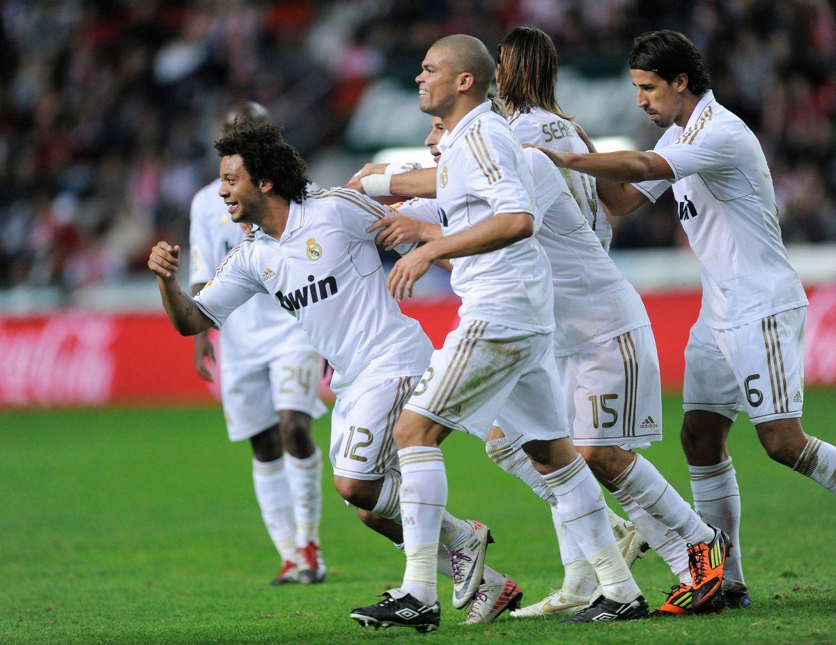 La última vez que Real Madrid tuvo dorado en su uniforme fue en la temporada 2011-2012.