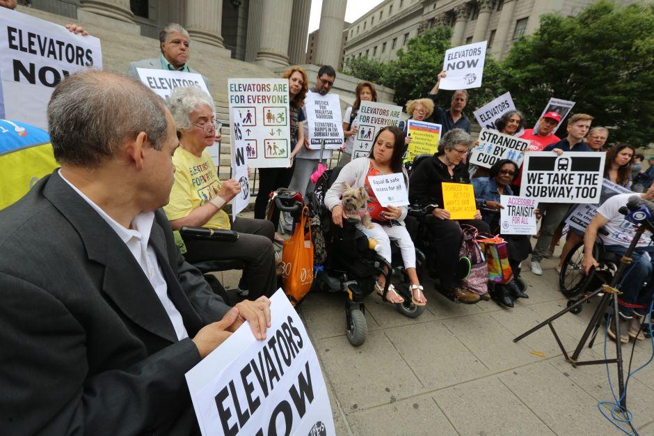 Juez da luz verde a juicio contra MTA por acceso de discapacitados al Subway