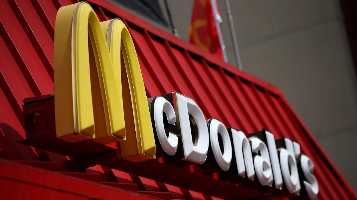 McDonald's está probando el uso de robots para preparar comida
