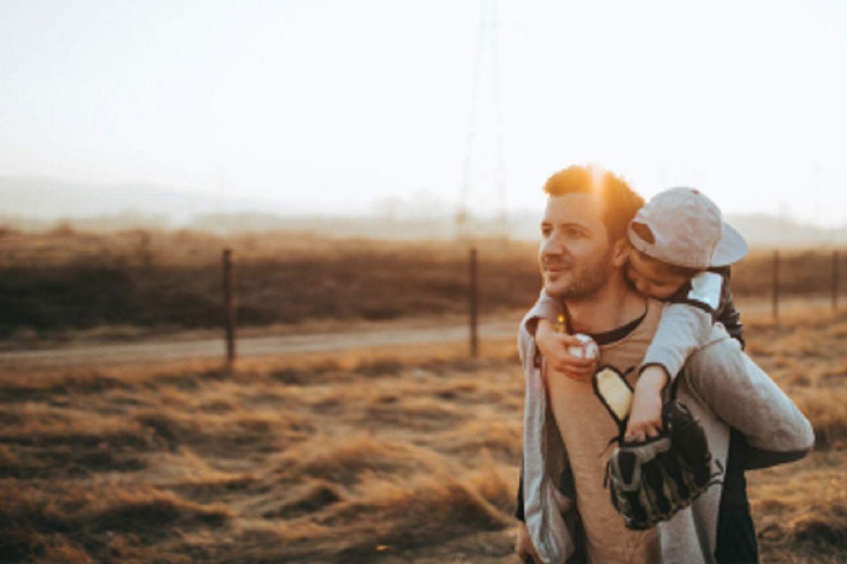 El estatus marital de los papás en EEUU se diversifica, pero siguen ganando los casados