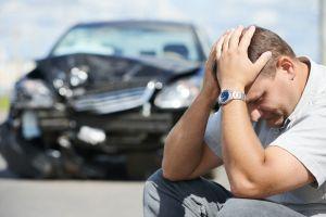 Si mi auto tuvo daños graves, ¿vale la pena que lo arregle o lo venda como chatarra?