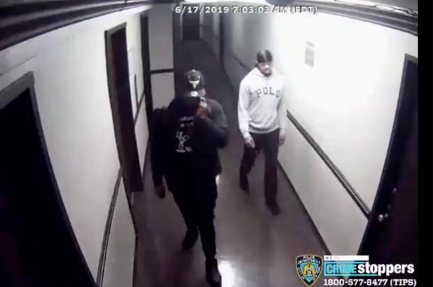 Golpean a abuela y roban $20 mil dólares en hogar en Queens