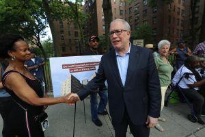 Acusan a NYCHA de despilfarrar millones en reparaciones de techos