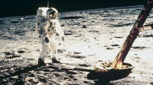 8 cosas que usamos a diario que no existirían si el hombre no hubiera llegado a la Luna