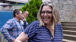 """María Lourdes Afiuni: el calvario de """"la presa personal de Chávez"""" que fue liberada 10 años después"""