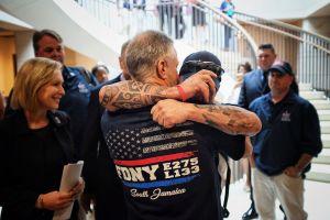 Senado vota a favor de fondo de ayuda permanente para rescatistas del 9/11