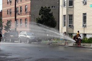 Temperaturas de hasta 111 grados ponen a NYC en 'emergencia de calor'