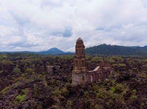 San Juan Parangaricutiro, la versión mexicana de Pompeya sepultada por el volcán Paricutín