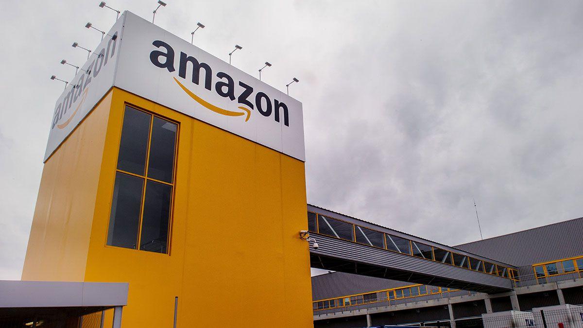 Empleados temporales y de medio tiempo consiguen que Amazon les pague tiempo libre
