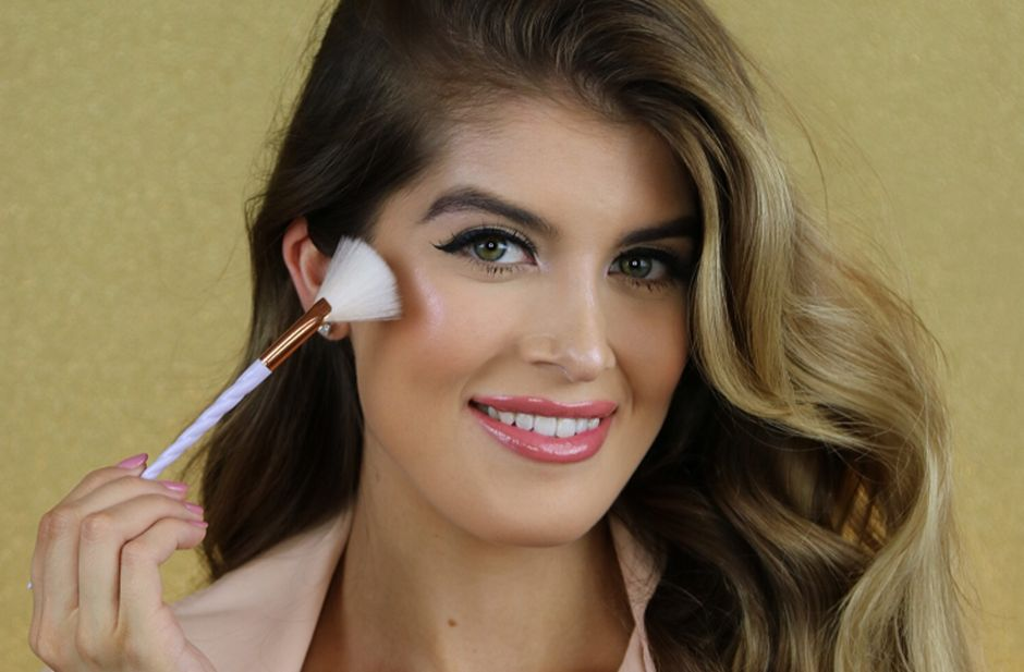 Gabriella Cataño, la famosa influencer de maquillaje, trae sus conocimientos a Los Ángeles