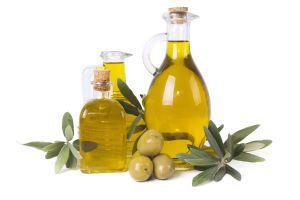 Prepara aceites aromáticos caseros y llena de sabor tus platillos