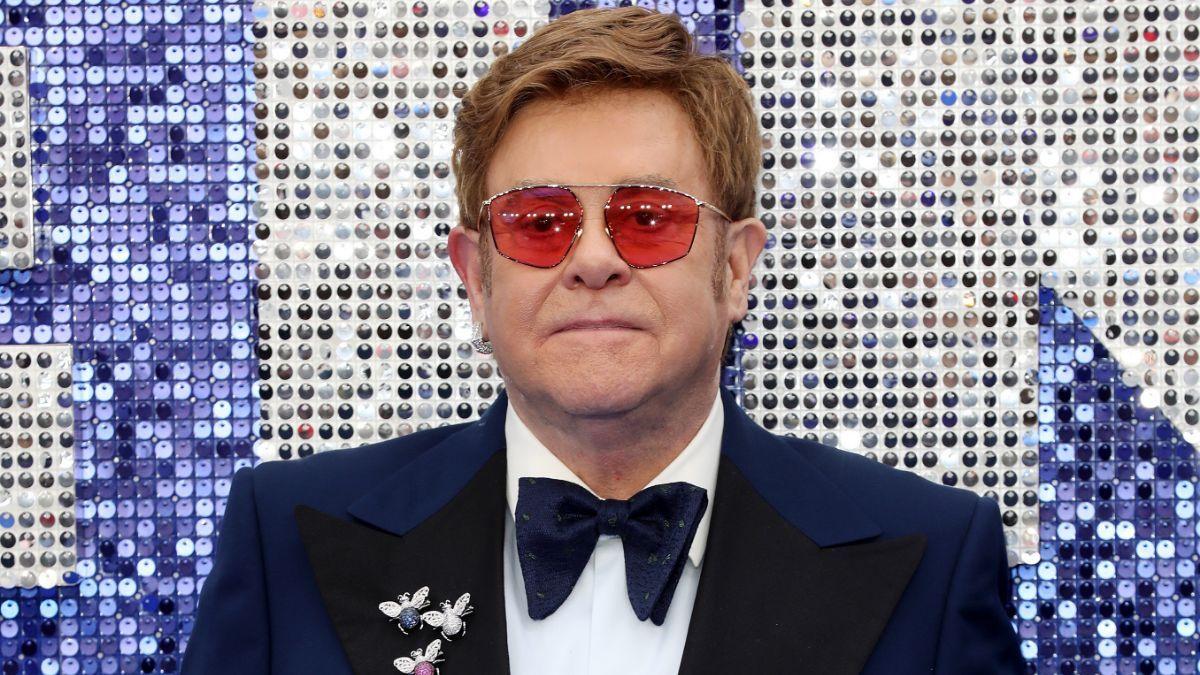 Elton John califica al Vaticano de 'hipócrita' por negarse a bendecir el matrimonio gay