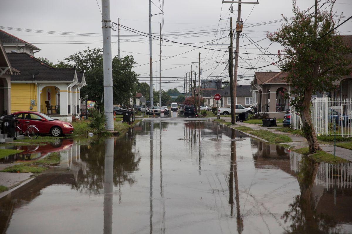 New Orleans ya tiene calles inundadas.