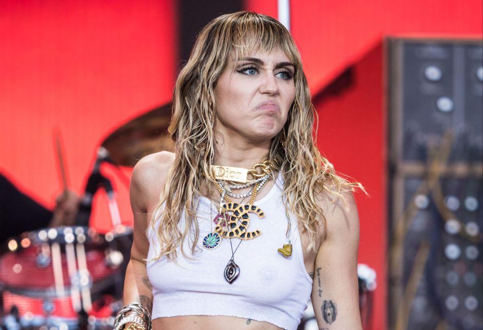 Miley Cyrus lanza nueva canción y canta sobre su ruptura con Liam Hemsworth