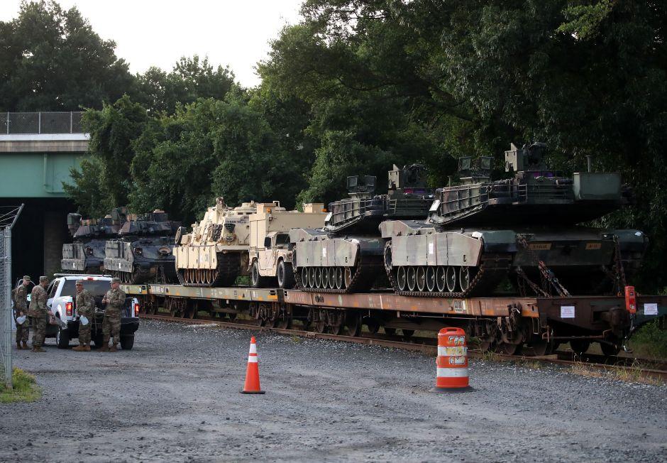 Trump ya alista tanques y aviones para el desfile militar del 4 de Julio