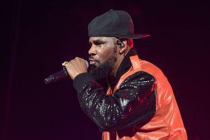 Arrestan al cantante R. Kelly en Chicago por tráfico sexual y pornografía infantil