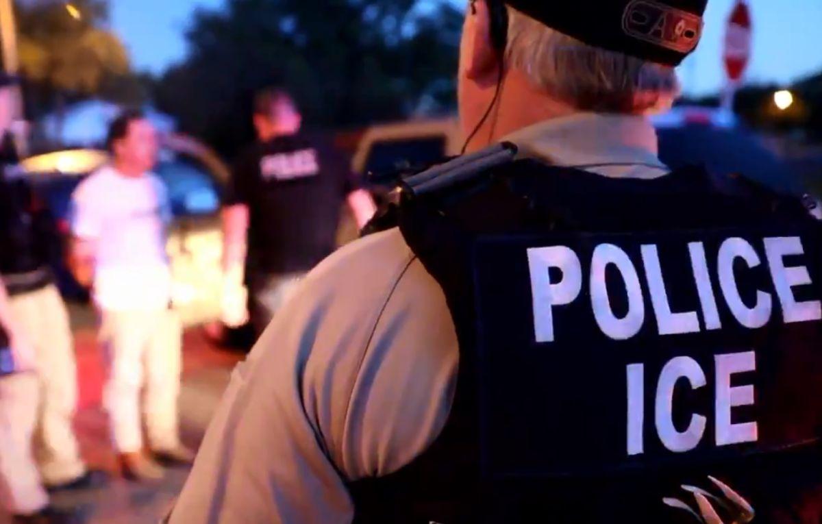 Renuncia Jonathan Fahey, director interino de ICE