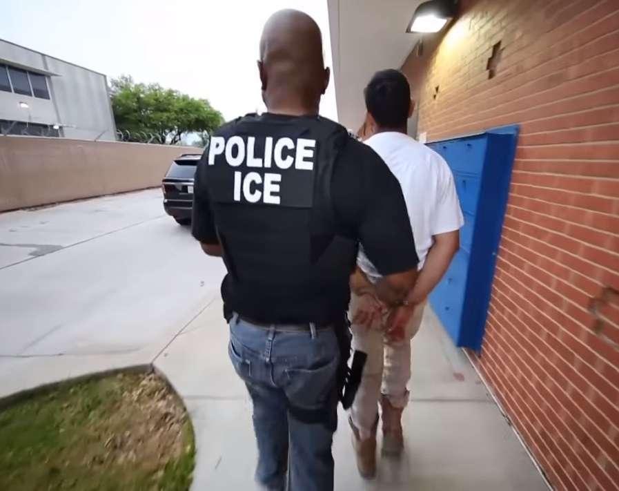 ICE emplea datos de apps de juegos, clima o compras para localizar y detener a inmigrantes indocumentados